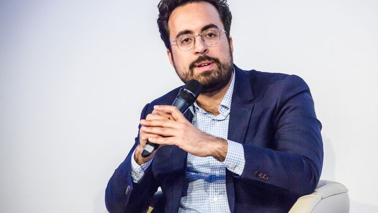 Mounir Mahjoubi lors d'une conférence à l'ESCP à Paris, le 10 avril 2019. (AMAURY BLIN / HANS LUCAS)