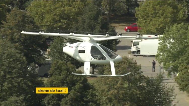 Le Volocopter testé en Allemagne (FRANCEINFO)