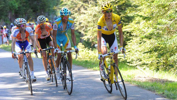 Andy Schleck devant Alberto Contador, une scène avant l'incident de la 15e étape