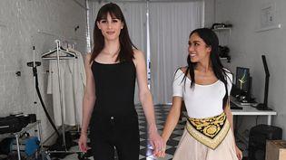 Peche Di, fondatrice de l'agence transgender model, et le mannequin Dusty Ros, à New York en septembre 2017  (ANGELA WEISS / AFP)
