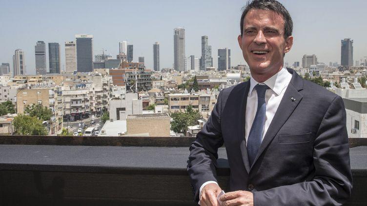 Le Premier ministre, Manuel Valls, le 22 mai 2016 à Tel Aviv (Israël). (JACK GUEZ / AFP)