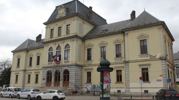 La mairie d'Albertville, en mars 2020 (illustration). (MARIANNE YOTIS / RADIO FRANCE)