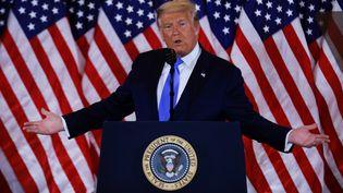 Donald Trump revendique sa victoire depuis la Maison Blanche à Washington, dans la nuit du 4 novembre 2020. (CARLOS BARRIA / REUTERS)