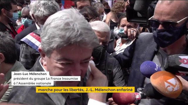 Marches pour les libertés : des mobilisations partout en France, Jean-Luc Mélenchon enfariné