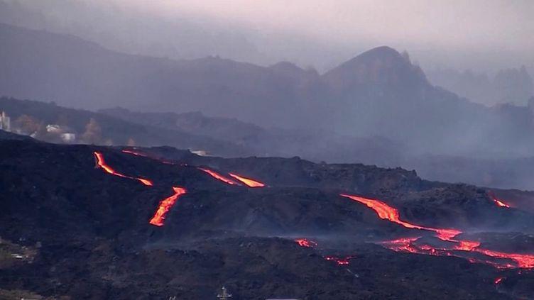 Dans les îles Canaries (Espagne), le volcan Cumbre Vieja est actuellement en éruption depuis près d'un mois. (CAPTURE ECRAN FRANCE 3)