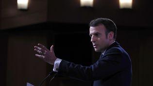 Emmanuel Macron lors d'un discours à l'Ecole militaire à Paris, le 7 février 2020. (FRANCOIS MORI / POOL / AFP)