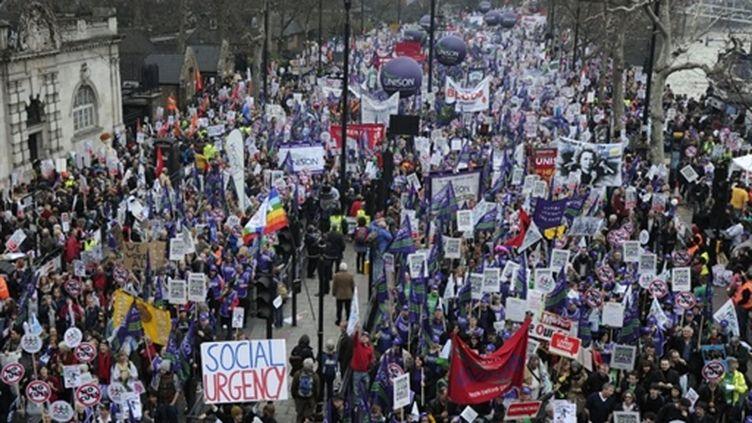 Manifestation à Londres à l'appel des syndicats pour protester contre la politique d'austérité du gouvernement (AFP PHOTO / CARL COURT)