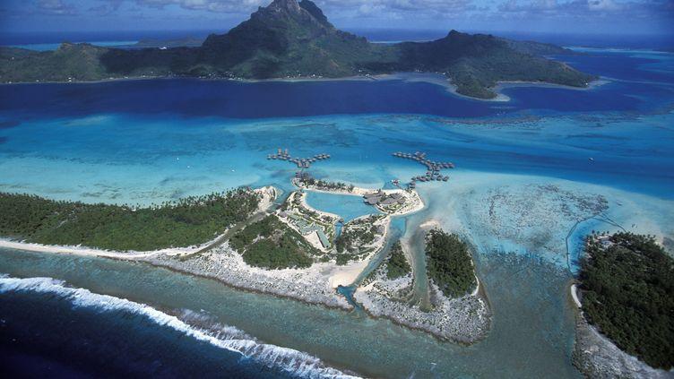 Vue aérienne du lagon de Bora Bora, en Polynésie française, le 24 septembre 2011. (MOND'IMAGE / TIPS / AFP)