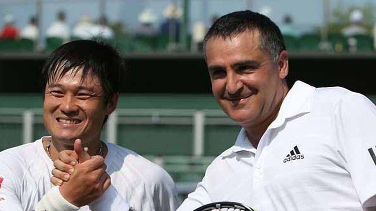 Shingo Kunieda et Stéphane Houdet (DOMINIC LIPINSKI/AP/SIPA / AP)