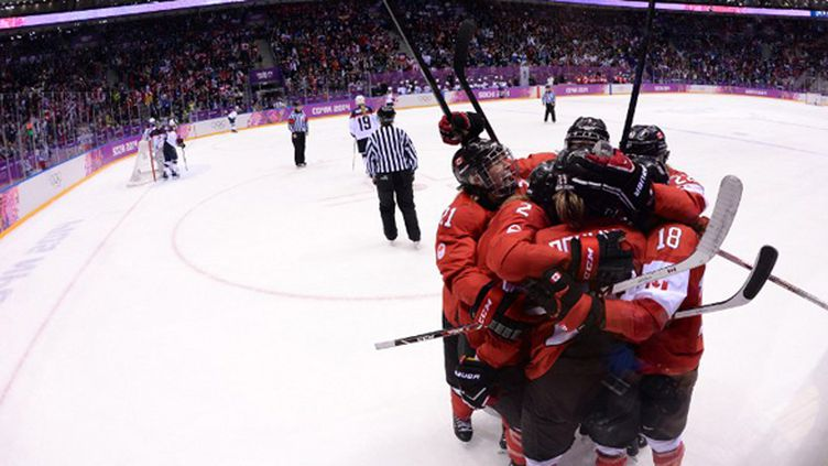 Le Canada champion olympique (ANDREJ ISAKOVIC / AFP)