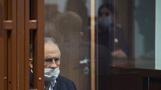 L'historien russeOleg Sokolov au tribunal de Saint-Pétersbourg, le 25 décembre 2020. (ALEXANDER GALPERIN / SPUTNIK / AFP)