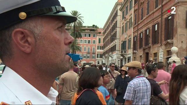 Rome : interdiction de s'asseoir sur les marches