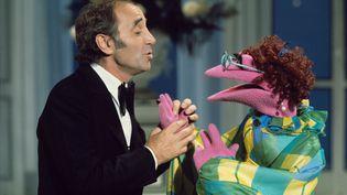 """Le chanteur Charles Aznavour a été l'invité du """"Muppet Show"""" en 1976. (REX/SHUTTERSTOCK/SIPA / SHUTTERSTOCK)"""