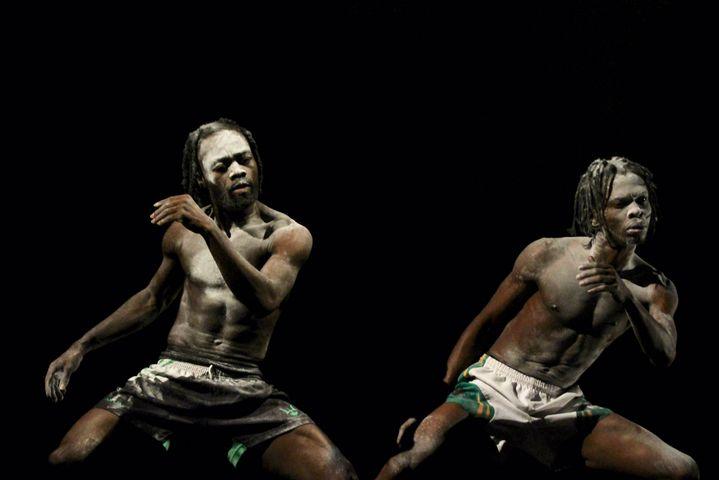 """Re:Incarnation"" création 2021 du chorégraphe nigérian Qudud Onikeku (Jean Couturier)"