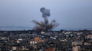 Lors d'un précédent raid de l'armée israélienne à Gaza, le 5 mai 2019. (SAMEH RAHMI / NURPHOTO / AFP)
