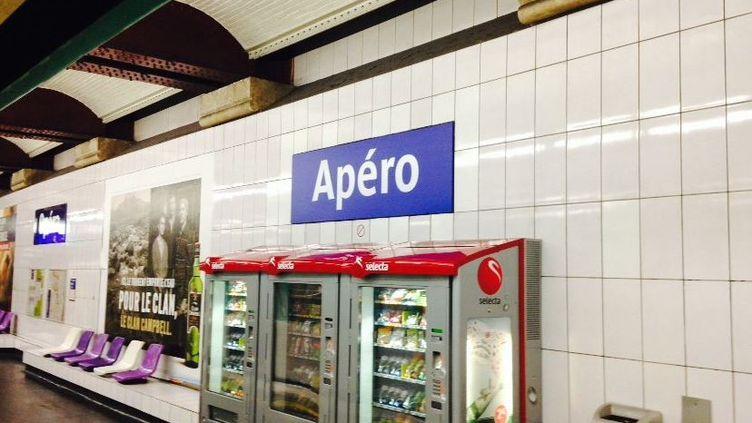 """Une photo diffusée par la RATP de la station de métro Opéra, renommé """"Apéro"""" pour le 1er avril. (TWITTER / LIGNE 8 RATP)"""
