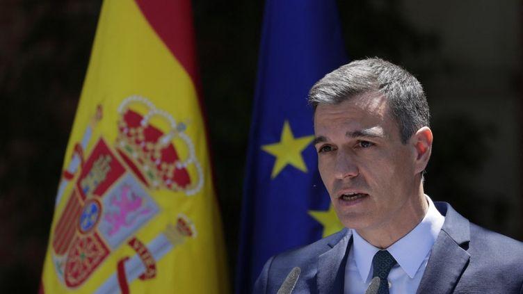Le Premier ministre espagnol, Pedro Sanchez, lors d'un discours sur la situation migratoire à Ceuta, le 18 mai 2021 à Madrid (Espagne). (MANU FERNANDEZ / AFP)
