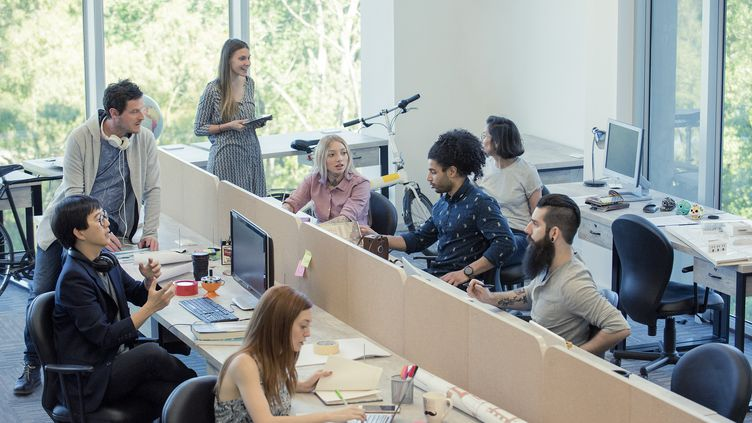 Des employés d'une start-up. Photo d'illustration. (ERIC AUDRAS / MAXPPP)