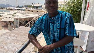 """Le producteur béninois Faissol Gnonlonfin à Cannes, le 12 juillet 2021. Il a produit """"Freda"""" de la cinéaste haïtienne Gessica Généus, film sélectionné dans la section Un Certain Regard. (FG/FRANCEINFO)"""