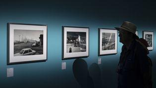 Depardon USA 1968-1999, une exposition à voir jusqu'au 23 septembre 2018, à Arles, dans le cadre des Rencontres de la photographie. (BERTRAND LANGLOIS / AFP)