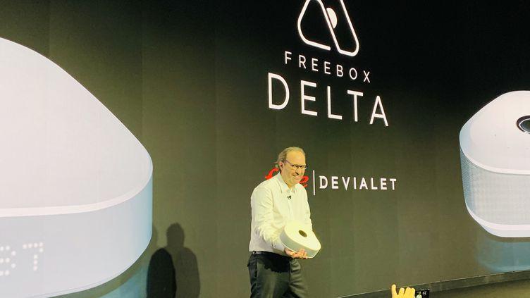 Xavier Niel présentant la nouvelle Freebox équipé d'un système audio Devialet (JC/RF)