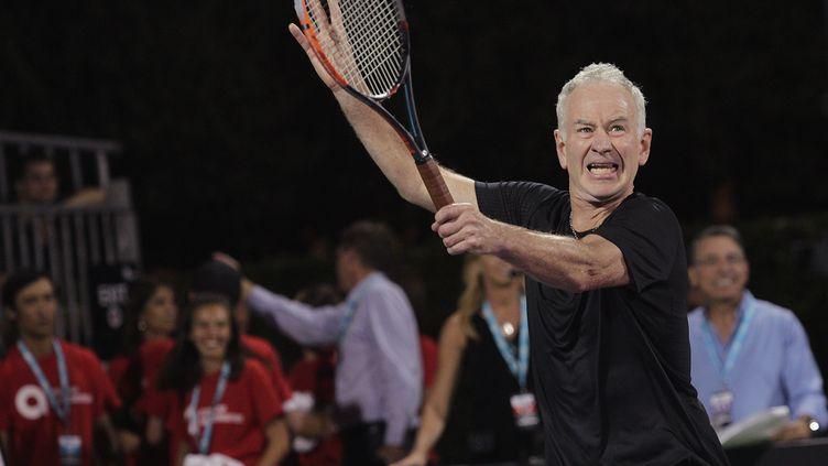 John McEnroe lors d'un tournoi de charité, à Las Vegas (Nevada), le 10 octobre 2016. (JOHN GURZINSKI / AFP)