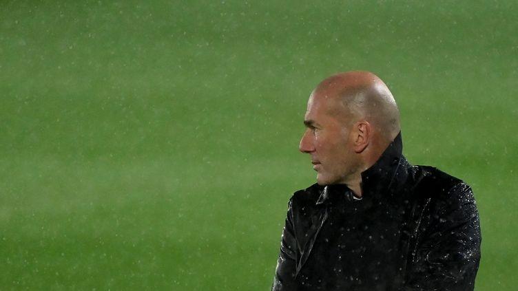 Zinédine Zidane lors du match face au Barça  (JAVIER SORIANO / AFP)