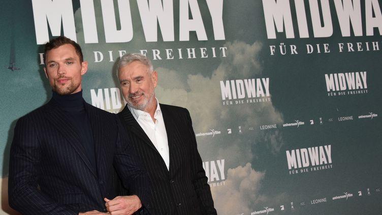 """24 octobre 2019. Munich (Bavière). L'acteur britannique Ed Skrein et le réalisateur Roland Emmerich présentent en avant-première le film """"MIdway-For Freedom"""" (PICTURE-ALLIANCE  / DPA)"""