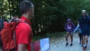 Accessible à tous, la randonnée n'est pas pour autant une pratique sans risque. Mieux vaut se préparer avant de sauter dans ses chaussures. (France 3)