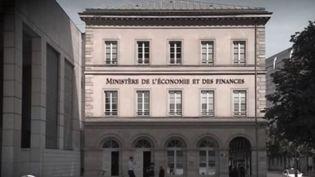 Le ministre Bruno Le Maire a annoncé mercredi 8 avril au soir sur France 2 des mesures d'aides renforcées pour les très petites entreprises (TPE). (FRANCE 2)