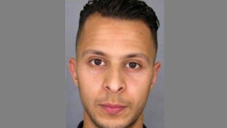 La photo de Salah Abdeslam dans l'avis de recherche publié par la police française, dimanche 15 novembre. (DSK / POLICE NATIONALE / AFP)