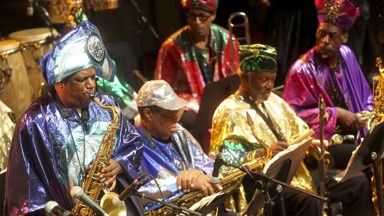 Le Sun Ra Centennial Dream Arkestra lors du Festival de jazz de San Sebastian (Espagne) le 26 juillet 2014 (JUAN HERRERO / EFE)