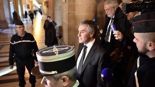 Jérôme Cahuzac, le 8 décembre 2016,à la sortie de son jugement au tribunal de Paris. (PHILIPPE LOPEZ / AFP)