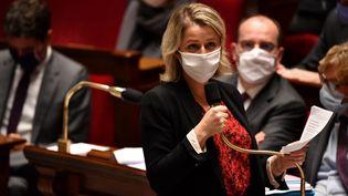La ministre de la Transition écologique Barbara Pompili à l'Assemblée nationale, à Paris, le 27 octobre 2020. (ALAIN JOCARD / AFP)
