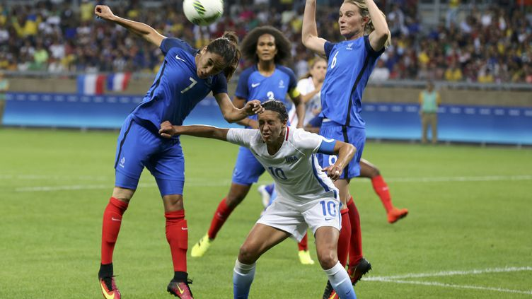 L'équipe de france féminine de football affronte les Etats-Unis, samedi 6 août à Belo Horizonte au Brésil. (MARIANA BAZO / REUTERS)