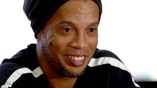 Ronaldinho, le 8 juillet 2016, à Guatemala.  (JOHAN ORDONEZ / AFP)