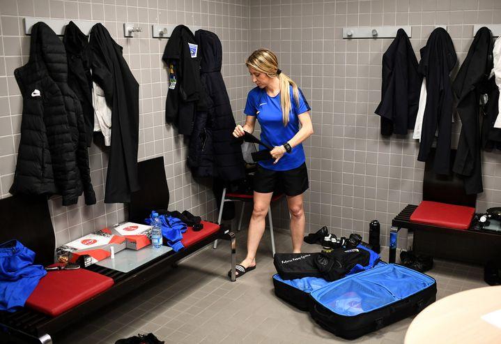 Manuela Nicolosi, arbitre assistante de Ligue 2, a joui de conditions favorables à Valenciennes (FRANCK FIFE / AFP)
