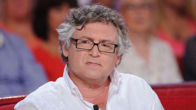 """Le philosophe Michel Onfray, le 2 septembre 2015 lors de l'émission """"Vivement Dimanche"""" sur France 2. (PJB / SIPA)"""