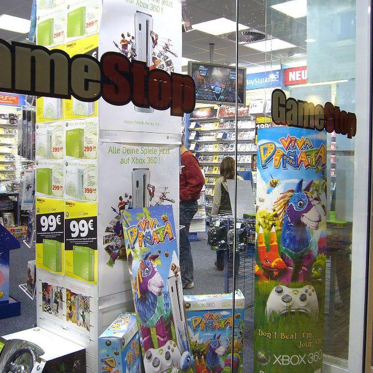 Un magasin de l'enseigne GameStop à Munich (Allemagne), le 30 janvier 2021. (FRANK HOERMANN / SVEN SIMON / AFP)