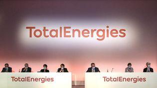 La présentation du nouveau logo de Total, au siège du groupe, à La Défense (Hauts-de-Seine), le mardi 9 février 2021. (HANDOUT / TOTAL)