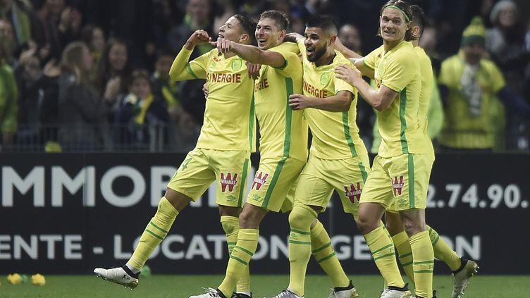 Le FC Nantes célébrant son seul but contre Rennes (JEAN-SEBASTIEN EVRARD / AFP)