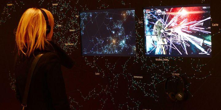 Démonstration du jeu vidéo EVEOnline (2003) au Musée d'Art Moderne de New York (MoMA)  (EMMANUEL DUNAND / AFP)