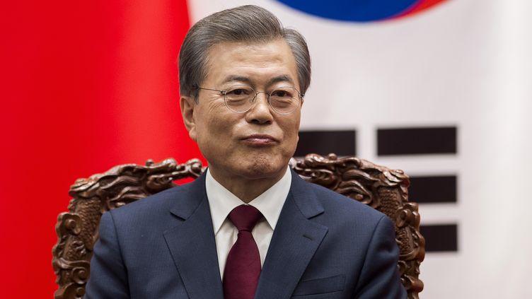 Le président sud-coréenMoon Jae-in, à Pékin (Chine), le 14 décembre 2017. (NICOLAS ASFOURI / AFP)