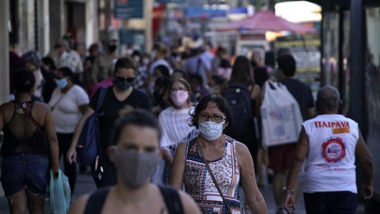 Les rues de Rio de Janeiro au Brésil, le 8 juillet 2020. (MAURO PIMENTEL / AFP)