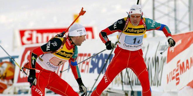 Les Norvégiens Halvard Hanevold et Ole Einar Bjoerndalen, en 2002.