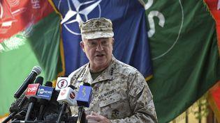 Le général Kenneth McKenzie, chef du commandement central des États-Unis, à Kaboul (Afghanistan), le 12 juillet 2021. (WAKIL KOHSAR / AFP)