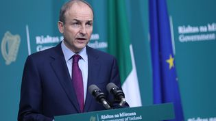 Le Premier ministre irlandaisMicheal Martintient une conférence de presse après le rapport de la commission d'enquête sur lesmaisons pour mères célibataires, le 12 janvier 2021, à Dublin. (JULIEN BEHAL / AFP)