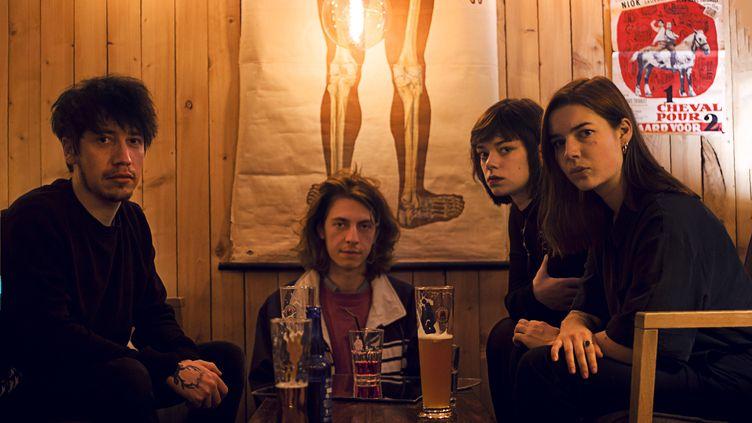 De gauche à droite, Raphaël, Joseph, Mathilde et Chloé, le groupe We hate you please die en 2018. (BLONDIEGRAPHY)