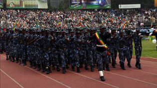 Militaires éthiopiens défilant à l'occasion du Jour du drapeau national éthiopien le 16 octobre 2017. (MINASSE WONDIMU HAILU / ANADOLU AGENCY)
