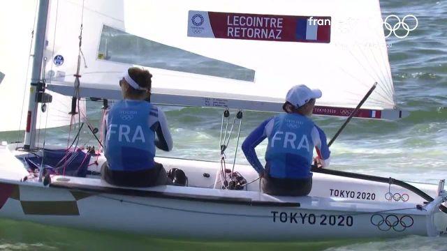 Nouvelle médaille de bronze après les JO de Rio pour Camille Lecointre en 470 féminin, aux côtés cette fois de Aloïse Retornaz, après la dernière régate. La Pologne a soufflé l'argent aux Bleus dans la dernière manoeuvre. Les Britanniques étaient au-dessus du lot.